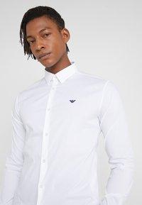 Emporio Armani - CAMICIA - Camisa - bianco ottico - 5