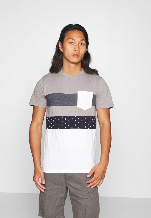 SILKEBORG - Print T-shirt -  grey