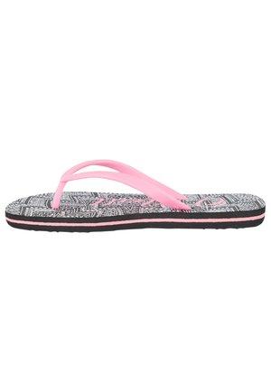 Pool shoes - black aop w/ white