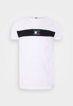 NEW SMALL LOGO TEE - T-shirt imprimé - white