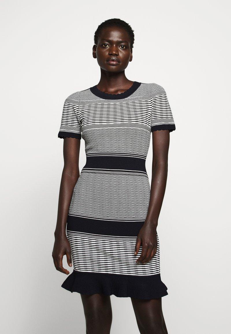 Milly - STRIPED WAVE DRESS - Shift dress - navy multi