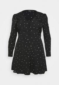 Missguided Plus - PLUS SIZE BUTTON LS DALMATIAN TEA DRESS - Day dress - black - 0