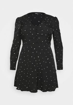 PLUS SIZE BUTTON LS DALMATIAN TEA DRESS - Vestito estivo - black