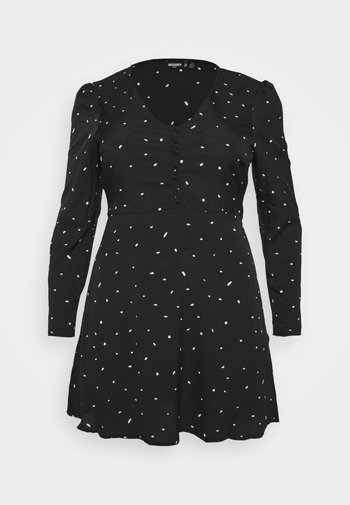 PLUS SIZE BUTTON LS DALMATIAN TEA DRESS