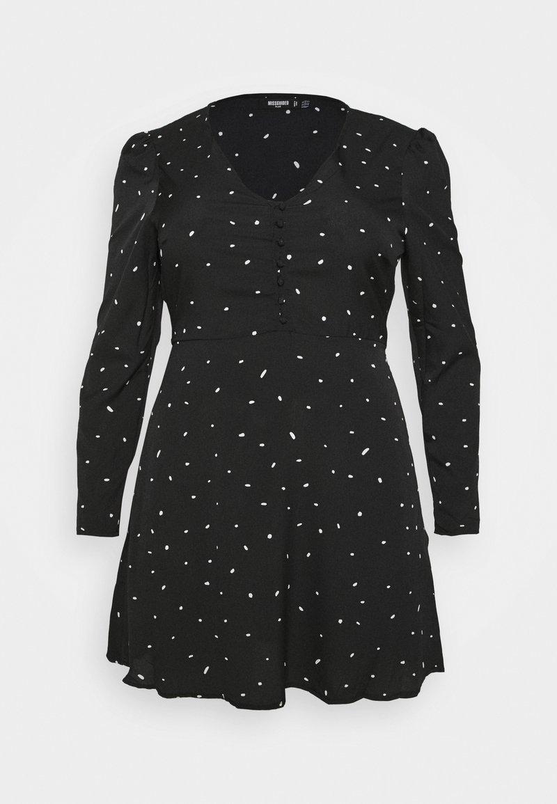 Missguided Plus - PLUS SIZE BUTTON LS DALMATIAN TEA DRESS - Day dress - black