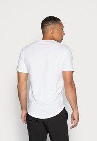 Only & Sons - ONSMATT  5 PACK - T-shirt - bas - black/white/blue - 2