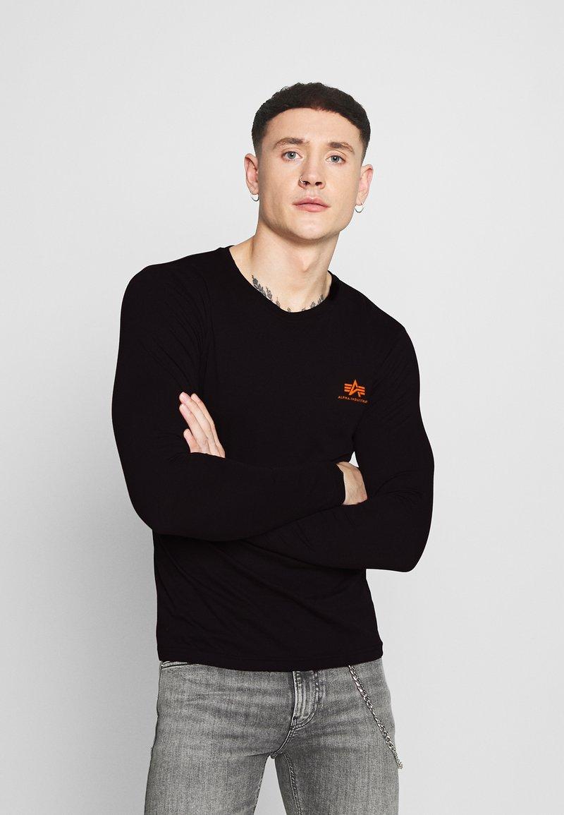 Alpha Industries - SMALL LOGO  - Long sleeved top - black/neon orange