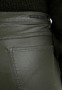 b.young - KATO KIKO - Trousers - peat green - 4