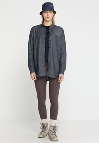 Houdini - OUT AND ABOUT SHIRT - Button-down blouse - blue illusion - 1