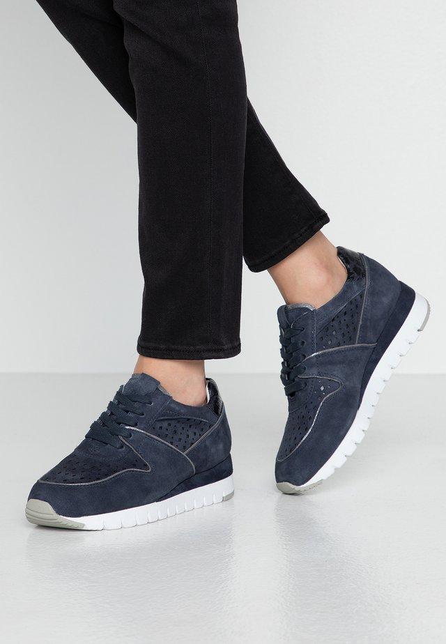 Sneakers laag - ocean