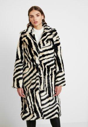 COAT - Winter coat - black/white