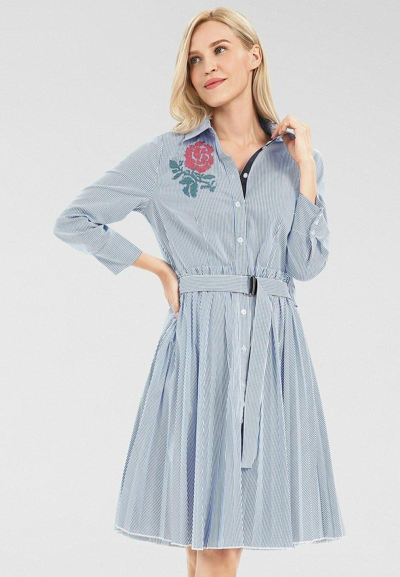 Apart - Robe chemise - weiß-blau