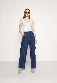 BDG Urban Outfitters - LOLA TRIM DITSY - Top - white - 1