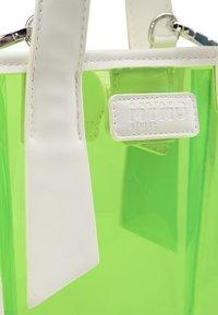 myMo ATHLSR - Handbag - neon grün - 4