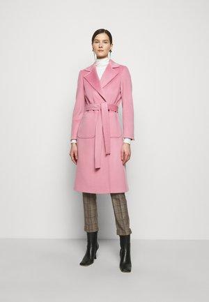 RUNAWAY - Classic coat - pink