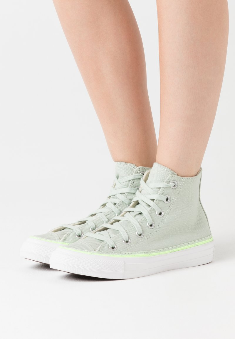 Converse - CHUCK TAYLOR ALL STAR - Baskets montantes - green oxide/ghost green/white