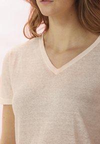 Rosa & Me - LELIA - Basic T-shirt - light blush - 4