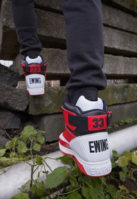 Ewing - Baskets montantes - white/chinese red/black - 2