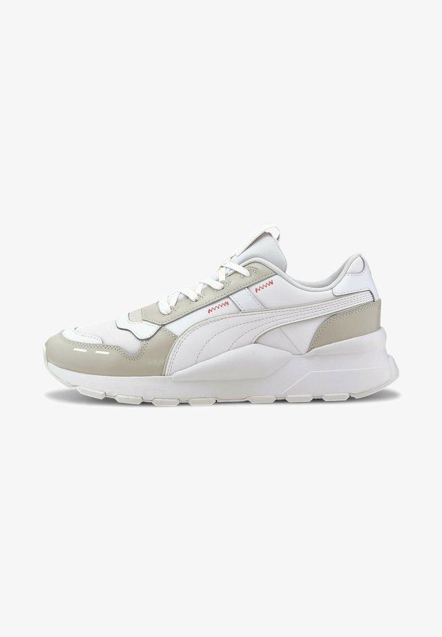 Sneakers - vaporous gra puma white