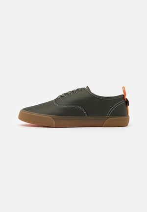 VEGAN KINROSS - Zapatillas - khaki