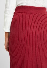 4th & Reckless Petite - MIA RECKLESS MIDI SKIRT WITH SPLIT - Jupe crayon - rust - 6