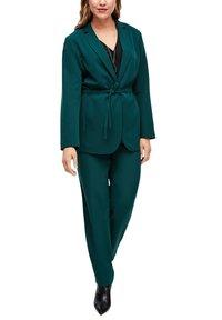 Triangle - MIT BINDEGÜRTEL - Short coat - emerald - 6