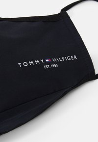 Tommy Hilfiger - FACE COVER UNISEX - Stoffen mondkapje - desert sky - 3