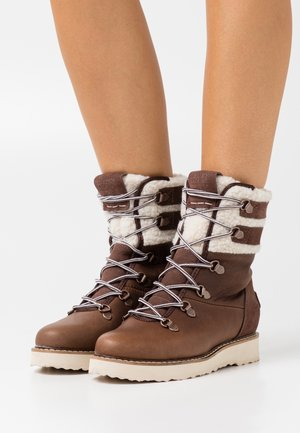 BRANDI - Winter boots - chocolate