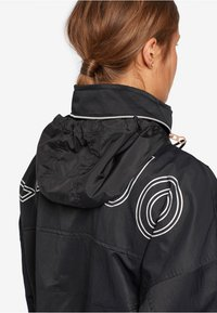 khujo - NABILA - Light jacket - black - 5