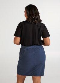 Zizzi - Basic T-shirt - black - 2