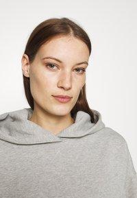 Gestuz - RUBI HOODIE - Sweatshirt - light grey melange - 3