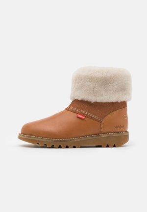 UNISEX - Kotníkové boty - camel/brillant