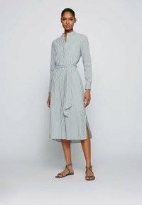 BOSS - DEFELIZE - Robe chemise - light green - 0