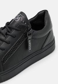 SIKSILK - LEGACY ANACONDA - Trainers - black - 5