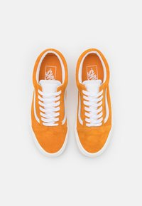 Vans - OLD SKOOL - Trainers - apricot/snow white - 5