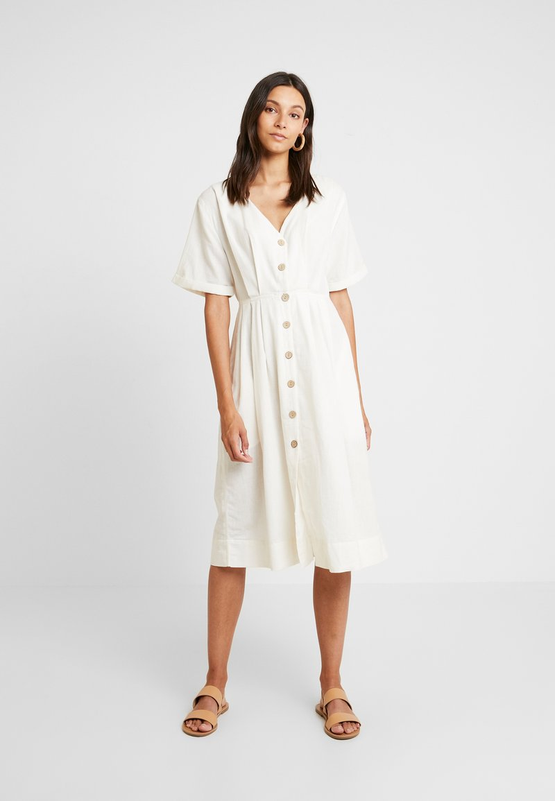 Miss Selfridge - PINTUCK BUTTON THROUGH MIDI DRESS - Robe chemise - ivory