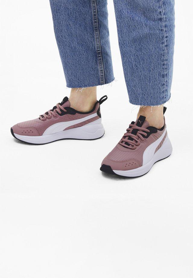 NUAGE - Sneaker low - foxglove-puma white