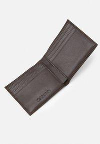 Calvin Klein - BIFOLD BILL - Wallet - dark brown - 2