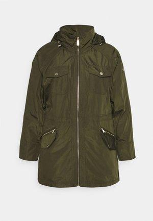 WOMENS ANORAK - Summer jacket - olive