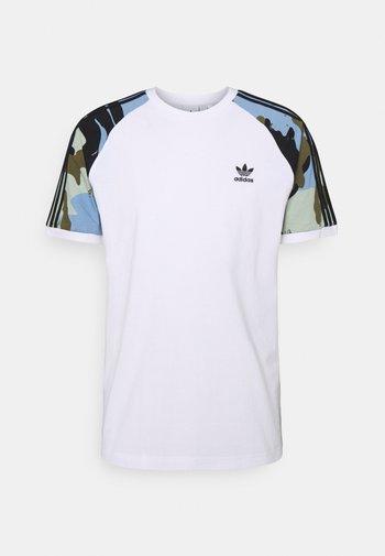 CAMOUFLAGE CALIFORNIA GRAPHICS - Print T-shirt - white