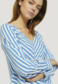 TOM TAILOR DENIM - Blouse - mid blue white stripe - 3
