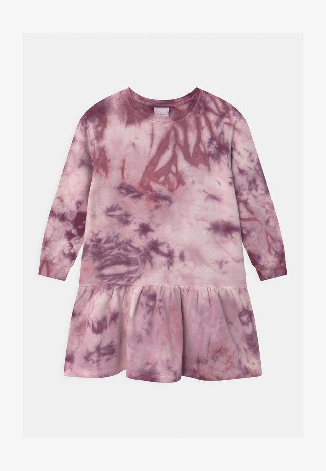 RILLE  - Denní šaty - potent purple