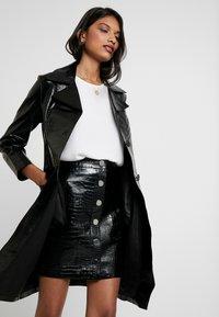 AllSaints - BELA SKIRT - Blyantnederdel / pencil skirts - croc black - 3