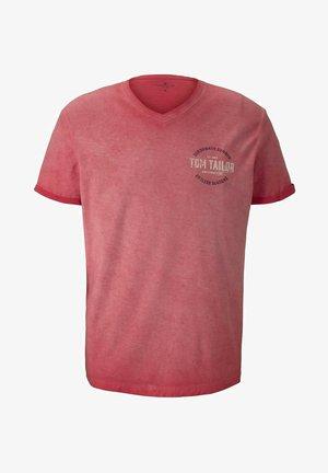 IM USED LOOK  - Print T-shirt - plain red