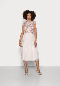 Maya Deluxe - RUFFLE BODICE BACK EMBELLISHED MIDI DRESS - Vestito elegante - pearl pink - 1