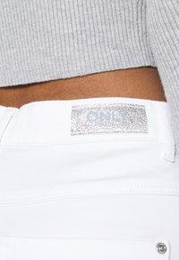 ONLY - ONLROYAL LIFE - Short en jean - white - 4
