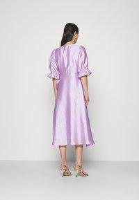 Gina Tricot - MILLY WRAP DRESS - Juhlamekko - light purple - 2