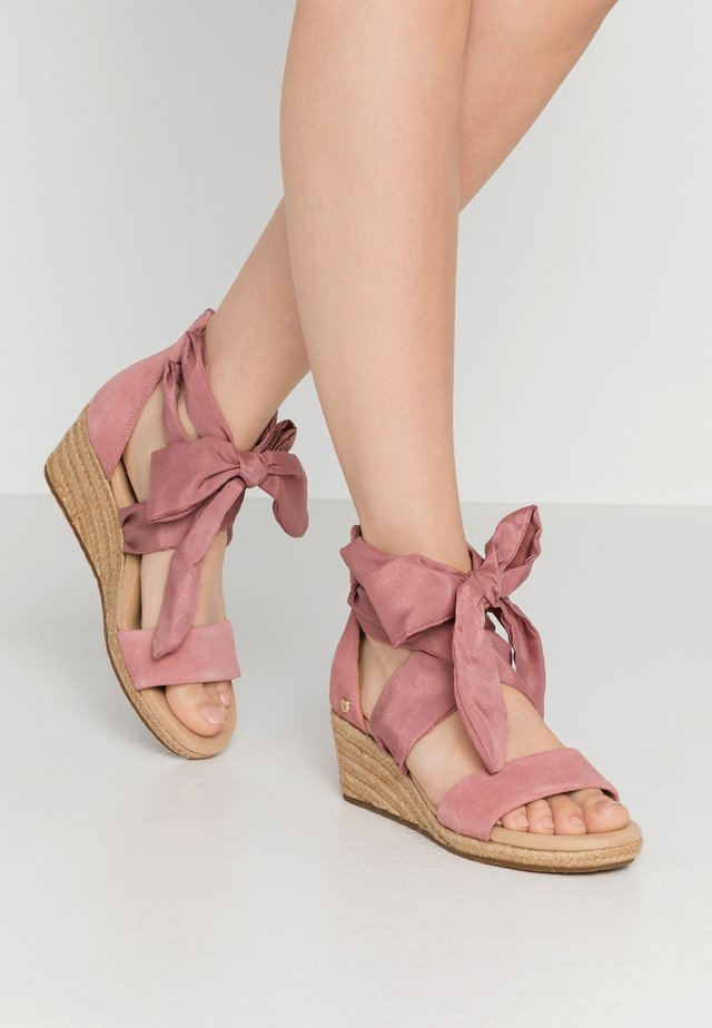 TRINA - Espadrillot - light pink