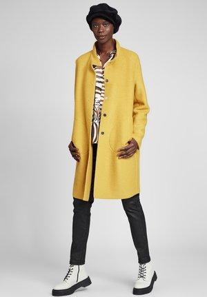MIT STEHKRAGEN - Short coat - ceylon yellow