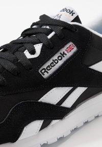 Reebok Classic - CL - Trainers - black/white/none - 6